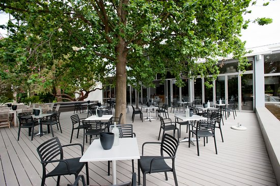 Robertson, Sydafrika: Perfect for the summer months our outside tasting area