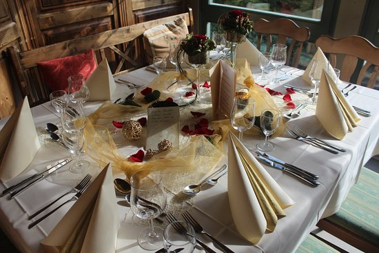 Tischdeko Goldene Hochzeit Hof Kindervatter Bild Von Restaurant