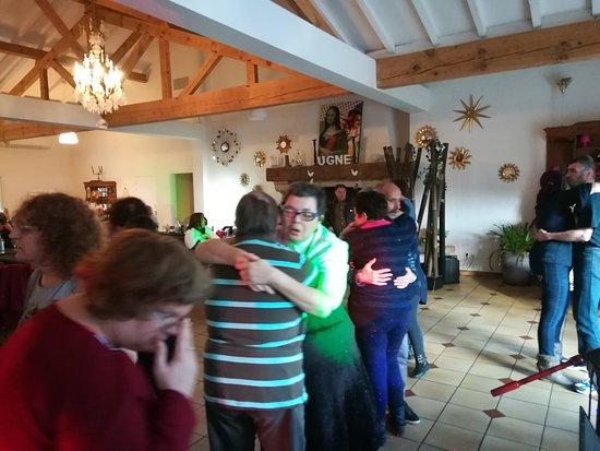 Saubrigues, France: Un petit slow après les déhanchements