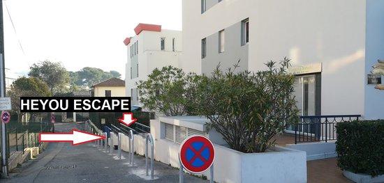 Le Cannet, France: Nous sommes situé dans cette impasse à côté du 12 Avenue des écoles au Cannet.