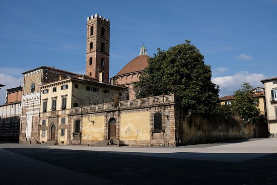 Province of Lucca, Italia: Palais Micheletti, place Saint Martin, Lucques