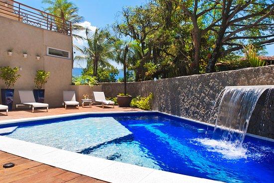 Piscina climatizada obr zok abayomi hotel ilhabela for Piscina climatizada merida
