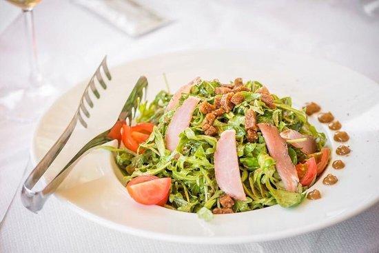 The White House Restaurant : Salad