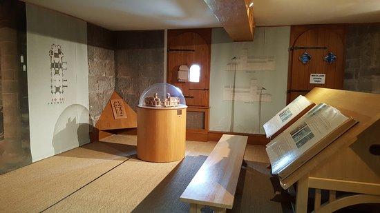 Chatel-Montagne, ฝรั่งเศส: Exposition permanente sur l'Art Roman