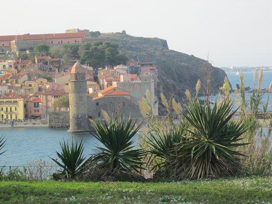 Pierre et Vacances Residence Les Balcons de Collioure : Voici notre panorama depuis notre chambre au 1 er étage ( en Novembre 2017 ) : superbe non ?!