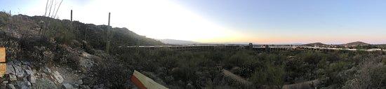 Loews Ventana Canyon Resort: Pano from the upper terrace