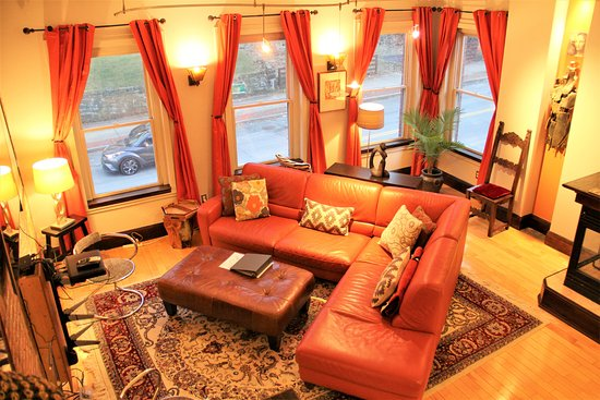 Fort Hill Inn: Check out out new City Triplex!
