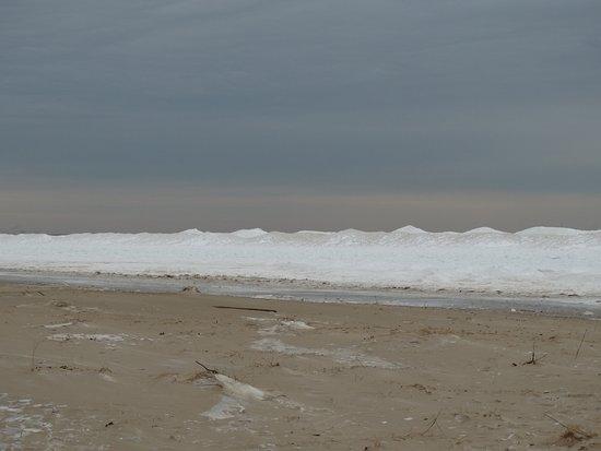 Chesterton, IN: Nieve en la orilla