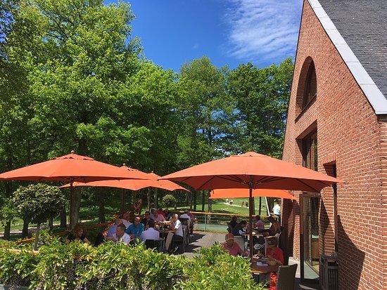 la terrasse à l\'ombre - Photo de Restaurant du Golf de Marivaux ...