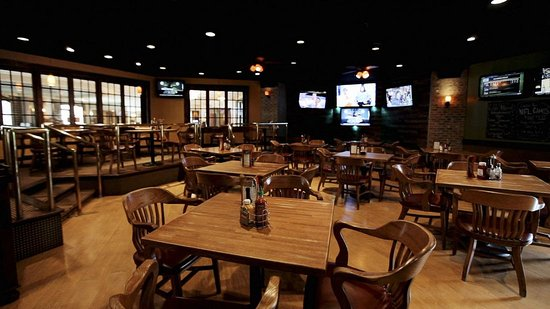Somerset, NJ: PJ Cavanaughs Sports Bar and Restaurant