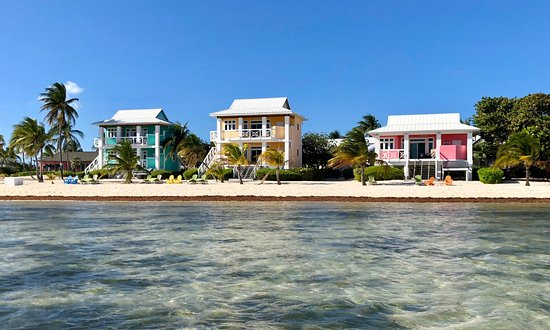 Southern Cross Club: The beachfront villas and bungalow