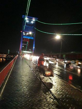 Jembatan Ampera: 20180101_233254_large.jpg