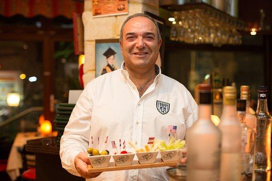 Emin Ayyildiz heißt Sie in Baba's Restaurant in Bad Nenndorf herzlich willkommen.