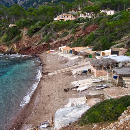 Bañalbufar, España: Der kleine Hafen ist am besten zu Fuss zu erkunden ab Banyalbufars