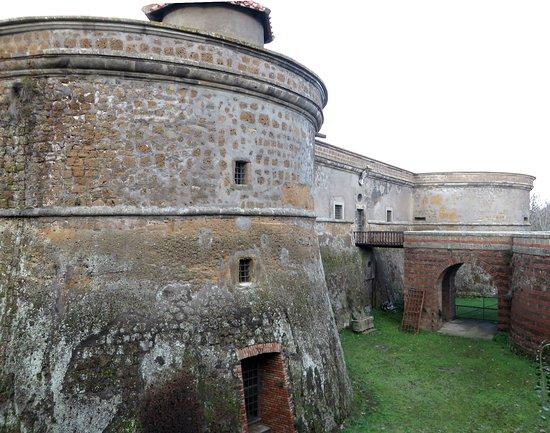 Vejano, Italie : uno dei ponti di accesso al castello
