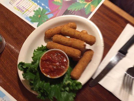 Smithtown, NY: Mozz sticks appetizer