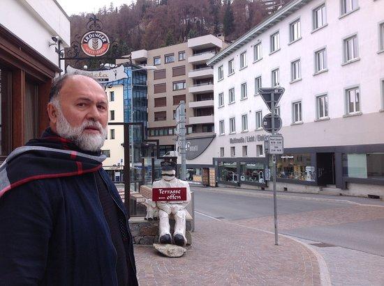 Engadin St. Moritz, Suisse : Centro de St. Moritzcom seus luxuosos e criativos restaurantes.