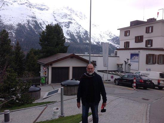 Engadin St. Moritz, Suisse : A cidade mais alto dos Alpes Suiços com um clima e cenários perfeitos.