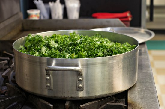 West Monroe, Луизиана: Cooking up some greens