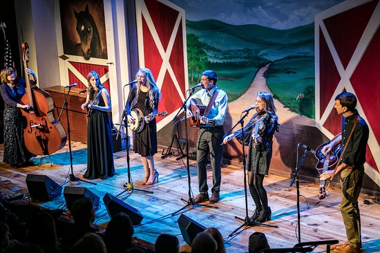 Branson, MO: The Petersens at the Little Opry Theatre