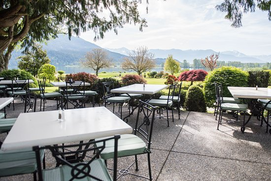 Harrison Mills, Kanada: The view from our outdoor patio at the Clubhouse Restaurant.