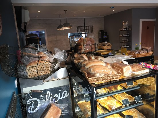 Balsall Common, UK: Freshly baked bread, delivered daily