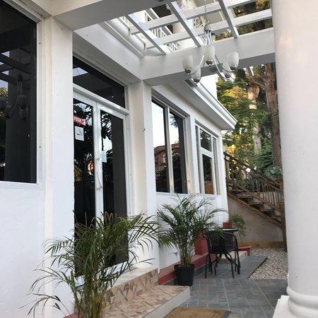 Gonaives, Haiti: Le Bigot Restaurant Bar & Grill