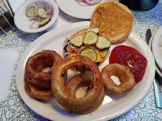 Alcoa, TN: Hot Rod's Burger and Onion Rings