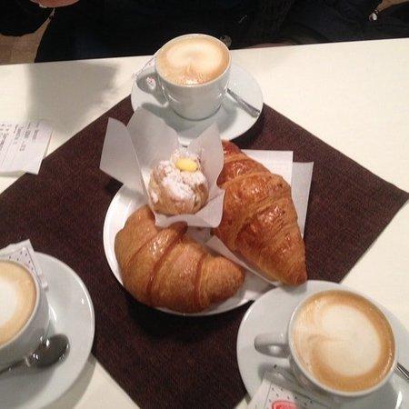Nove, Italie : Colazione x 3