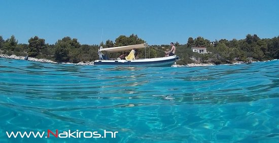 Slatine, Kroatien: Blue Lagoon , Day excursion Nakiros Boat Rental #Trogir #Split