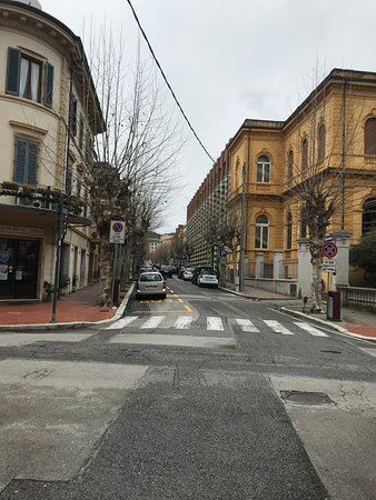 Hotel Puccini: What the streets across from the hotel look like