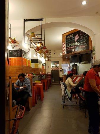 El Trompo de San Javier: Another view of the restaurant.