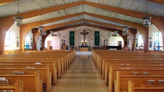 San Pablo Catholic Church: Inside