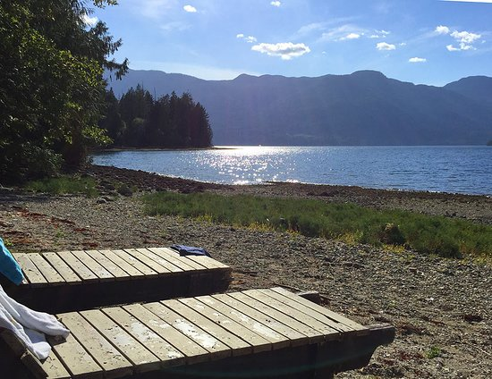 Sechelt, Canada: Lay out your towel or mat and enjoy the gorgeous views
