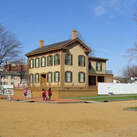 Lincoln home national historic site springfield 2018 all you need to know before you go for Olive garden springfield illinois