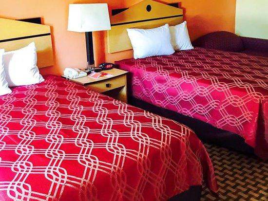 Milan, TN: Guest room