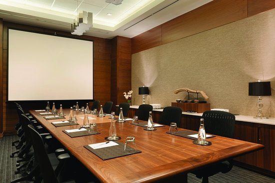 Radisson Hotel & Conference Centre Calgary Airport: Meeting room