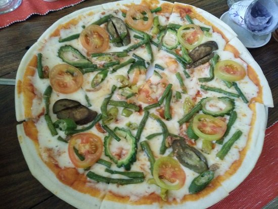 Herencia Cafe: the Pinakbet Pizza