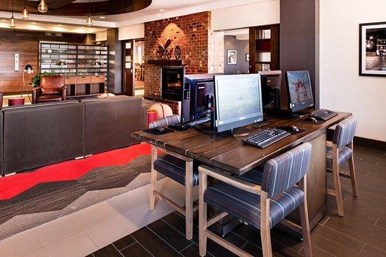 Romulus, MI: Business center