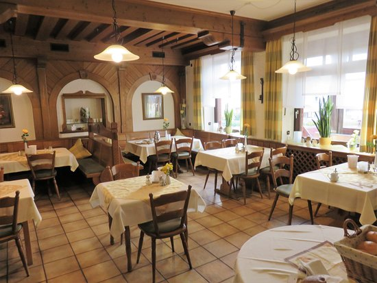 Neuhof, Jerman: Restrautant and breakfast room