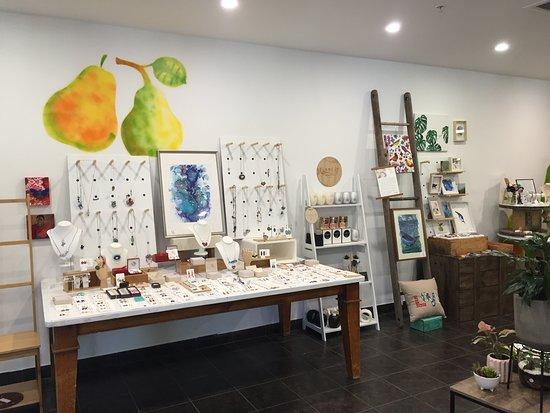 Bassendean, Australia: The Tasty Pear