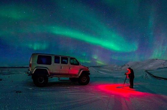 Reykjavik Northern Lights Small-Group...