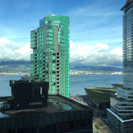 Vancouver Marriott Pinnacle Downtown Hotel: photo2.jpg