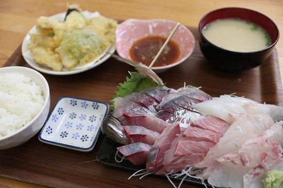 魚喜家, 天ぷら・刺身定食