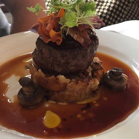 Berntis Restaurant & Grill: photo1.jpg