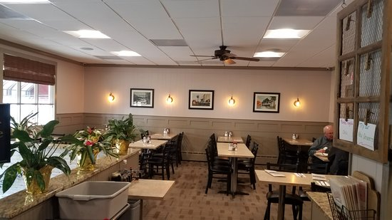 Farmingdale, NJ: Plenty of tables for small and large groups