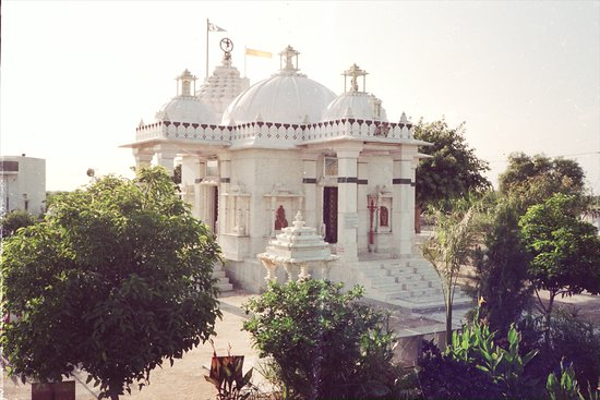 Sirohi, Ινδία: Sarvdham Temple is a Unique Temple of India. Its the Symbol of National Integrity & Communal Har