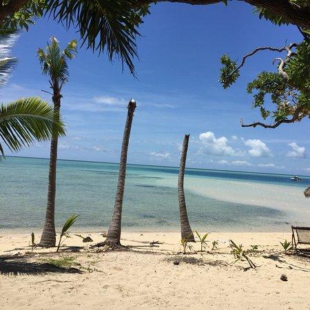 Leleuvia Island, Fiji: スバからフェリーで移動しました(´∀`) ものすごく、素敵なところでご飯の時は貝で🐚音をならしご飯ができたよ〜と合図します!シュノーケリング、近くの島まで無料で連れって行ってくれたりカヌーな