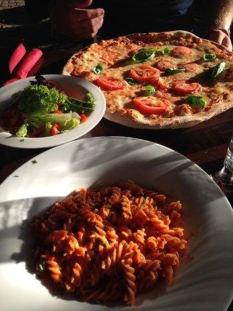 Restaurant Pizzeria Mosl: Sehr große Portionen und sehr lecker!