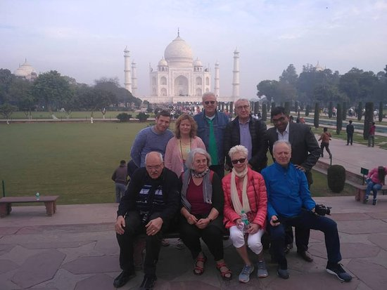 Agra Tour Guide